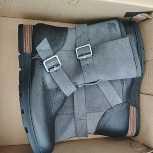 New Sorel boots size 8